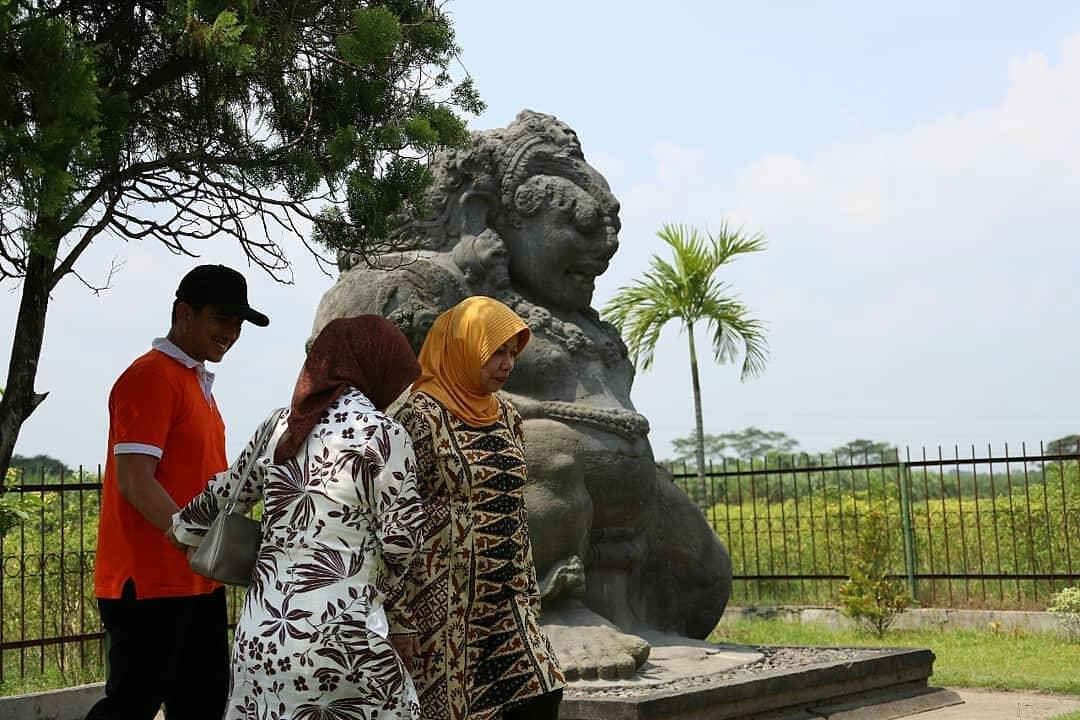 Kediritraveller Hash Tags Deskgram Arca Totok Kerot Pagu Kediri Jawa