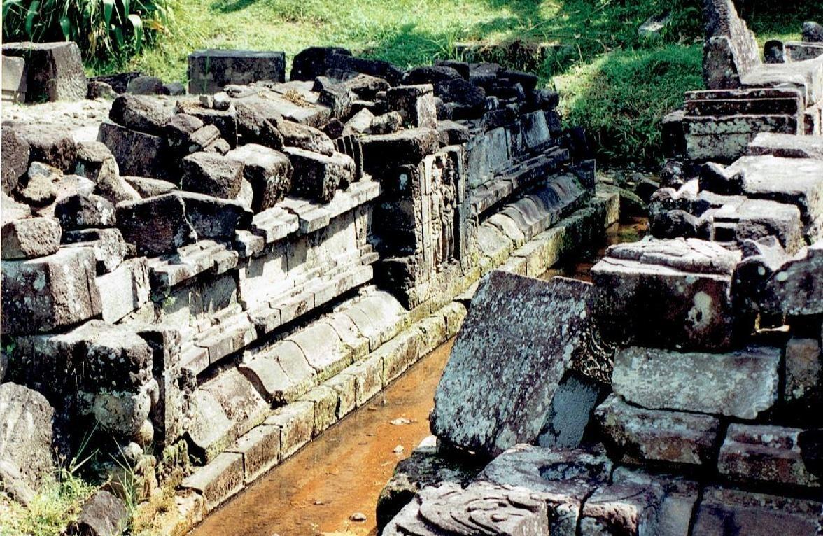 Candi Ngawen Reconstruction 9 7 1996 Temples Surawana Kab Kediri