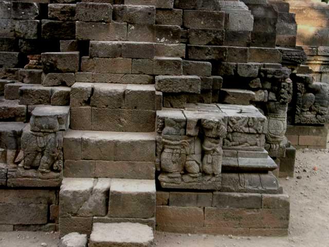 Candi Surawana Pemuliaan Bhre Wengker Arkeologi Dictio Ukuran Tidak Terlalu