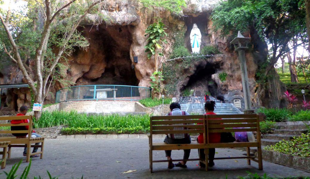 Berwisata Religi Goa Pohsarang Kediri Serasa Liburan Lourdes Perancis Viva