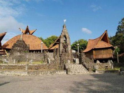 Gereja Puh Sarang Indonesian Foto 1 1gereja Puhsarang Kab Kediri