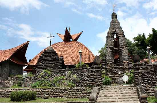 Gereja Puhsarang Ady Gus Pohsarang Kediri Salah Satu Obyek Wisata