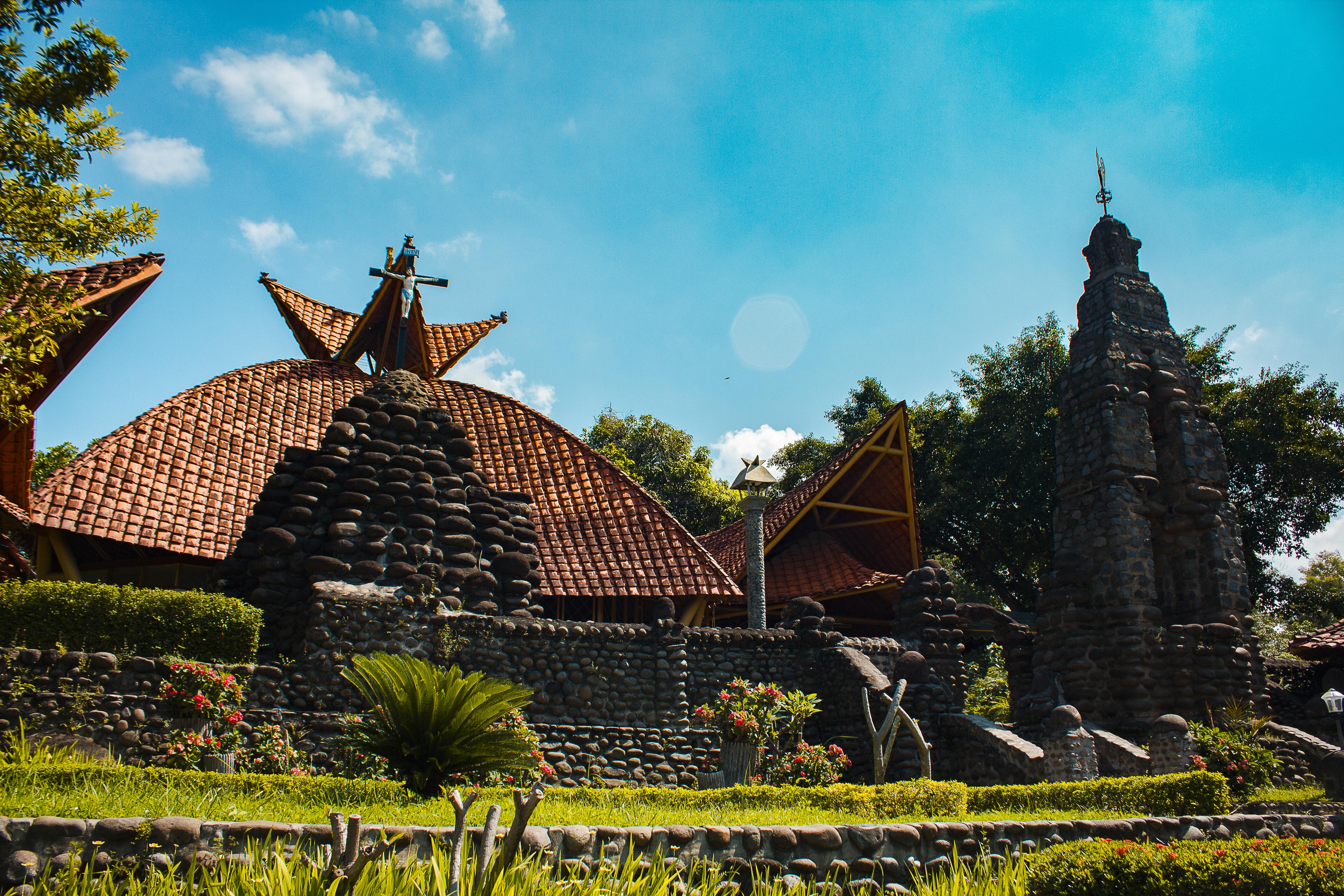 Gereja Unik Indonesia Liburan Akhir Pohsarang Kediri Airy Puhsarang Kab
