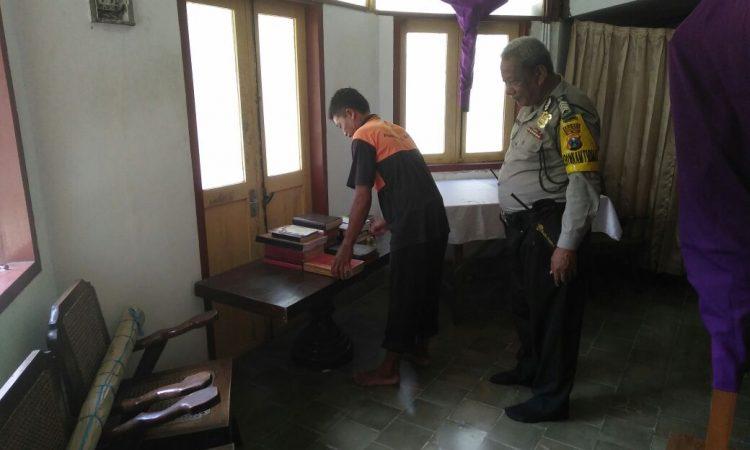 Jelang Misa Doa Bhabinkamtibmas Amankan Gereja Puhsarang Kediri Kab