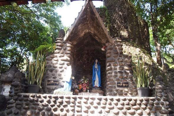 Pesona Keindahan Wisata Gua Maria Pohsarang Kediri Daftar Tempat Gereja