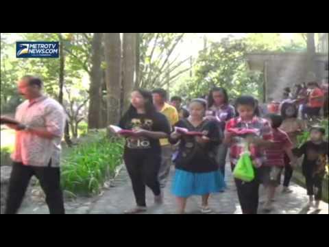 Prosesi Jalan Salib Gereja Pohsarang Kediri Youtube Puhsarang Kab