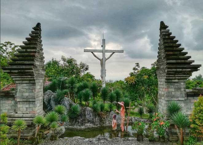 Tempat Wisata Kediri Terbaru 2018 Terbaik Terindah Gereja Puh Sarang