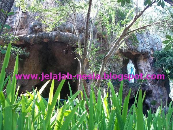 Wisata Religi Gua Maria Lourdes Kediri Oleh Heri Agung Fitrianto