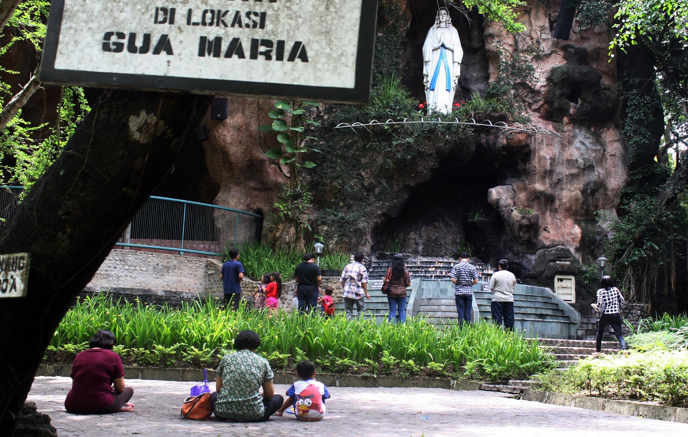 Fantastis Tempat Ibadah Umat Kristen Katholik Terbesar Indonesia Ontripers Gua