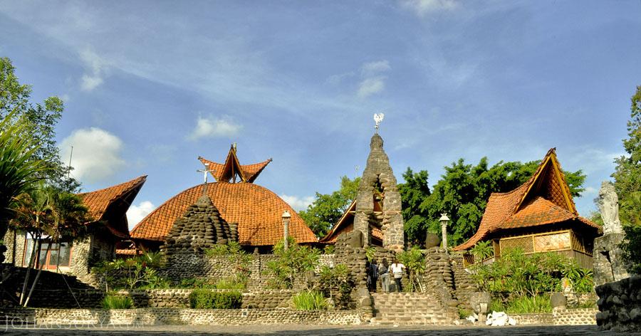 Gereja Katolik Santa Maria Puhsarang Kediri Johan Surya Gua Pohsarang