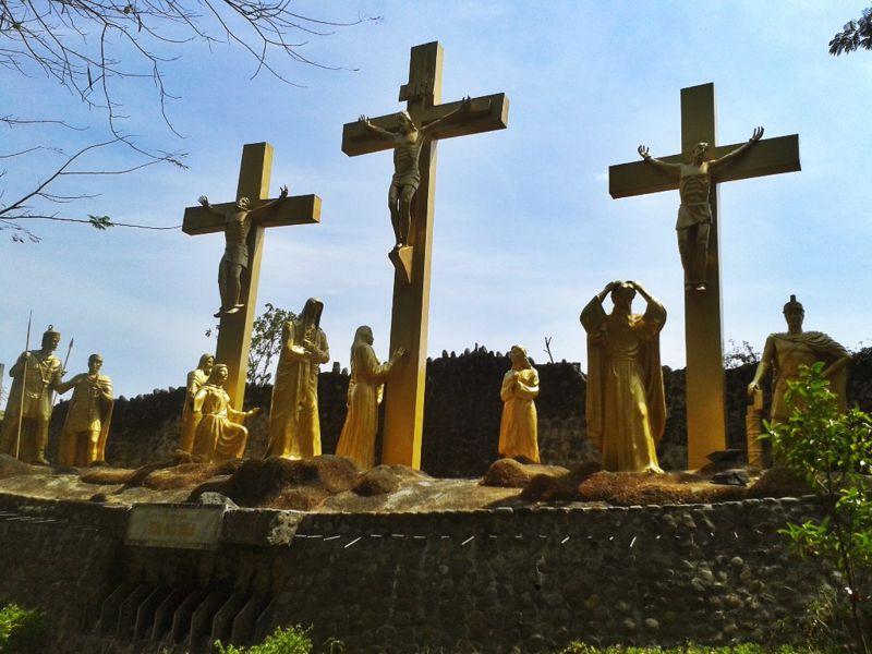 Gua Maria Kediri Replika Lourdes Perancis Wisata Sejarah Pohsarang Kab