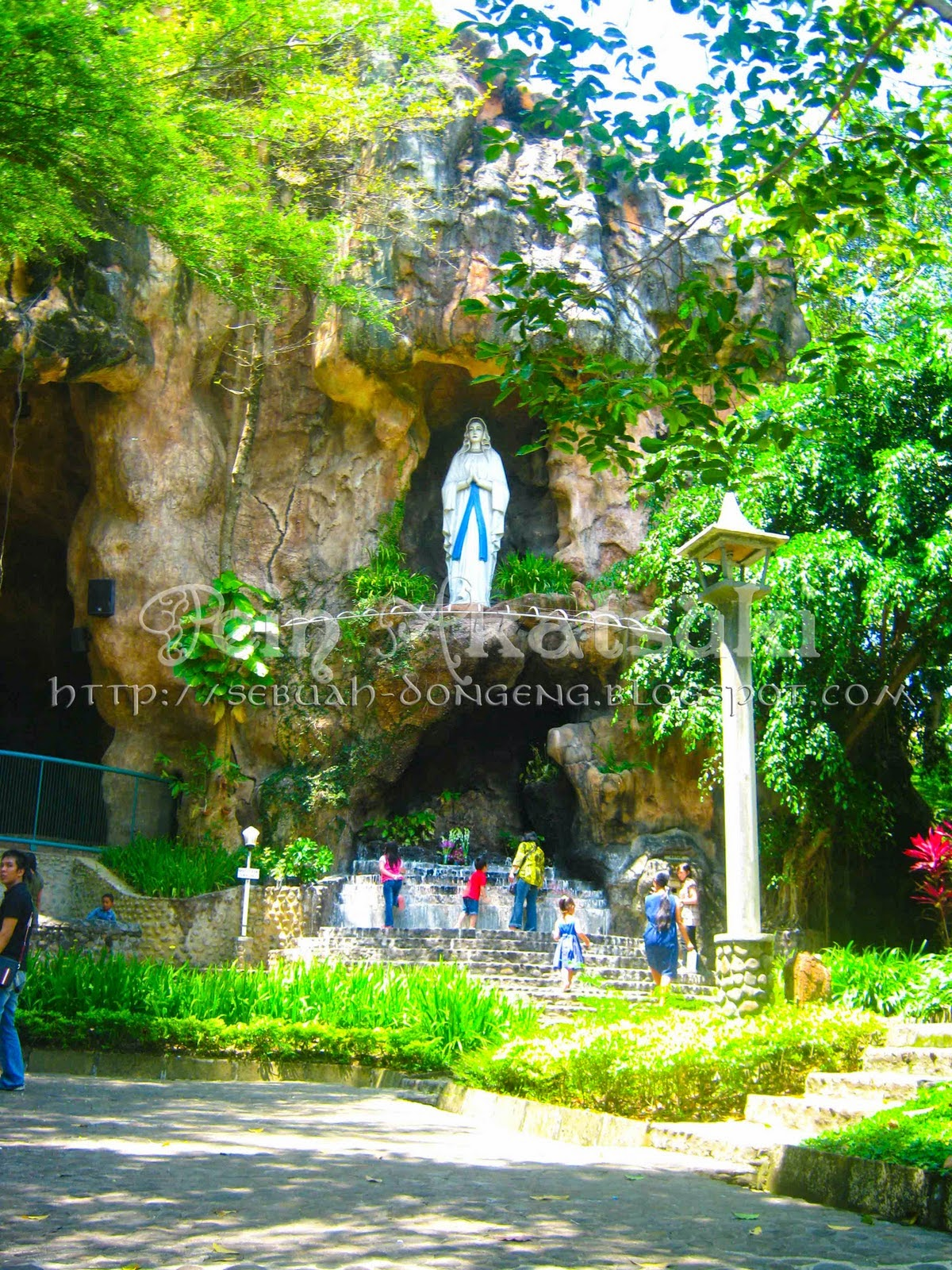 Rindu Tuhan 07 26 14 Maskot Gua Maria Keuskupan Jatim