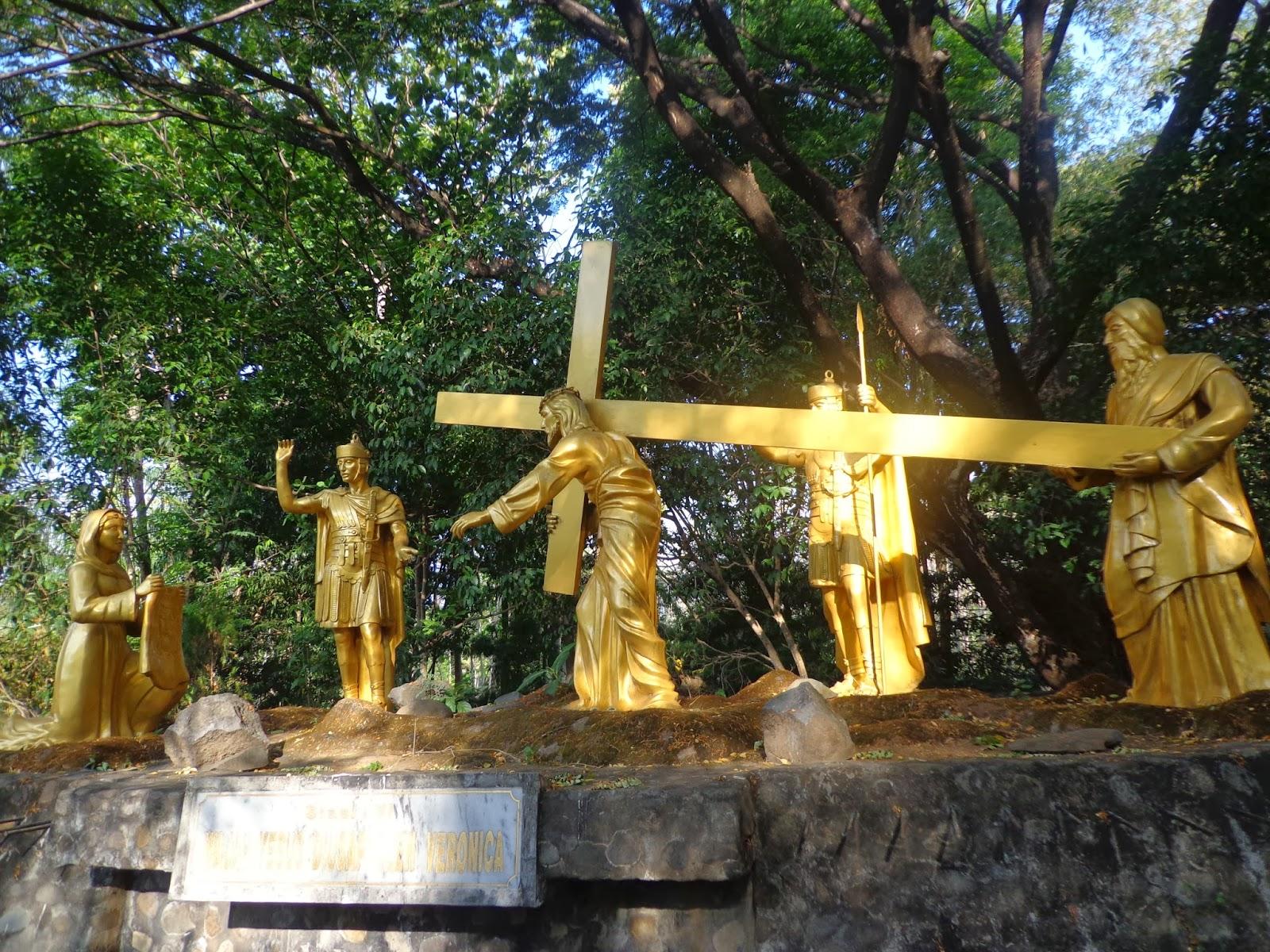 Riu Gereja Goa Maria Lourdes Pohsarang Yuk Berwisata Lourde Kenali