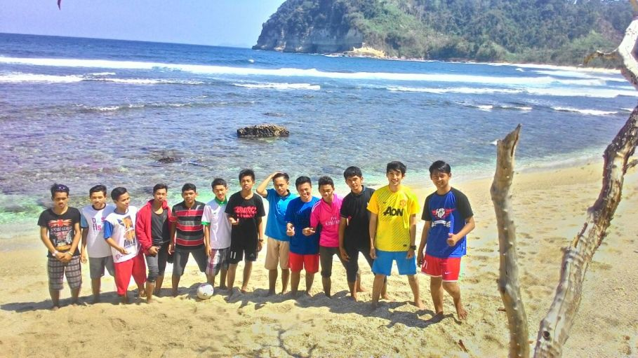 Asiknya Liburan Gumul Paradise Island Kediri Ldii Raya Wisata Pantai