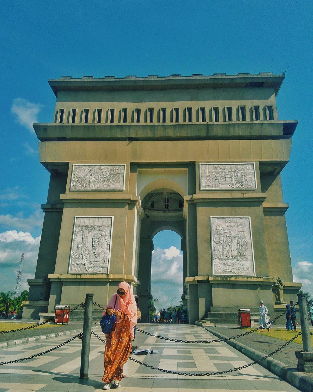 Tempat Wisata Kediri Hits 2018 Monumen Simpang Lima Gumul Paradise