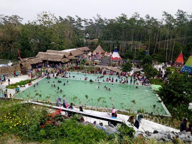 Kampung Indian Kediri Wisata Ala Suku Instagrammable Kolam Renang Anggrek