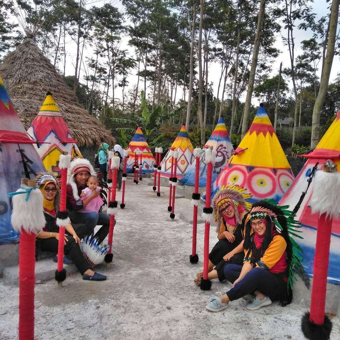5 Wisata Kediri Keren Menyenangkan Diri Indian Village Kampung Kab