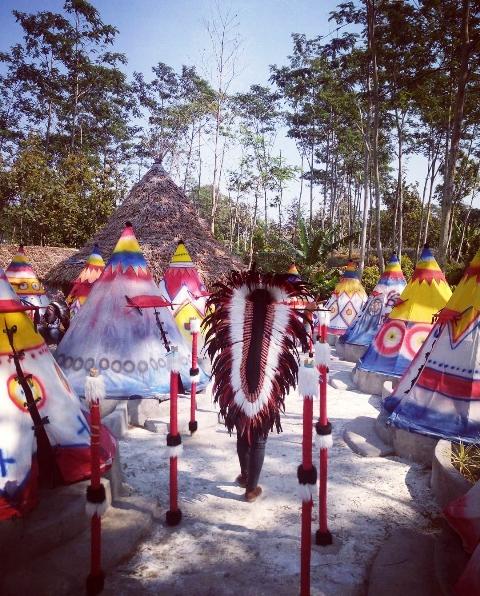 Kampung Indian Kediri Wisata Ala Suku Instagrammable Village Kab