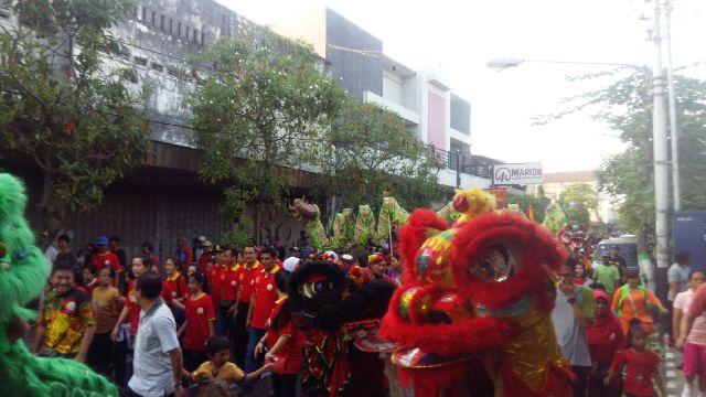 Jalan Santai Bareng Barongsay Liong Klenteng Tjoe Hwie Kiong Suasana