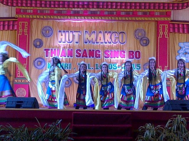 Kemeriahan Hut Makco Klenteng Tjoe Hwie Kiong Kediri Pagelaran Tari