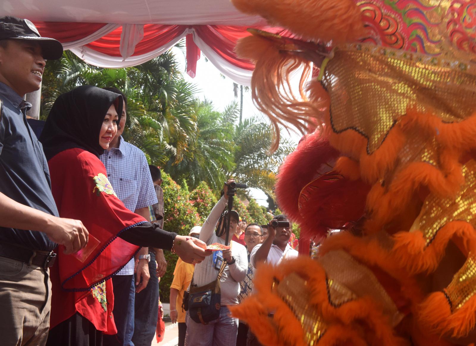 Ning Lik Wawali Kota Kediri Meriahkan Hut Klenteng Tjoe Hwie