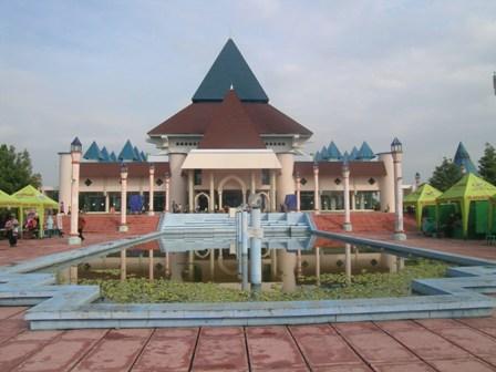 Kota Pare Mukti Mulyawan Masjid Agung Nur Kediri Kab
