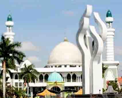 Masjid Agung Asy Syuhada Kabupaten Pamekasan Pusaka Jawatimuran Bermula Dibangun