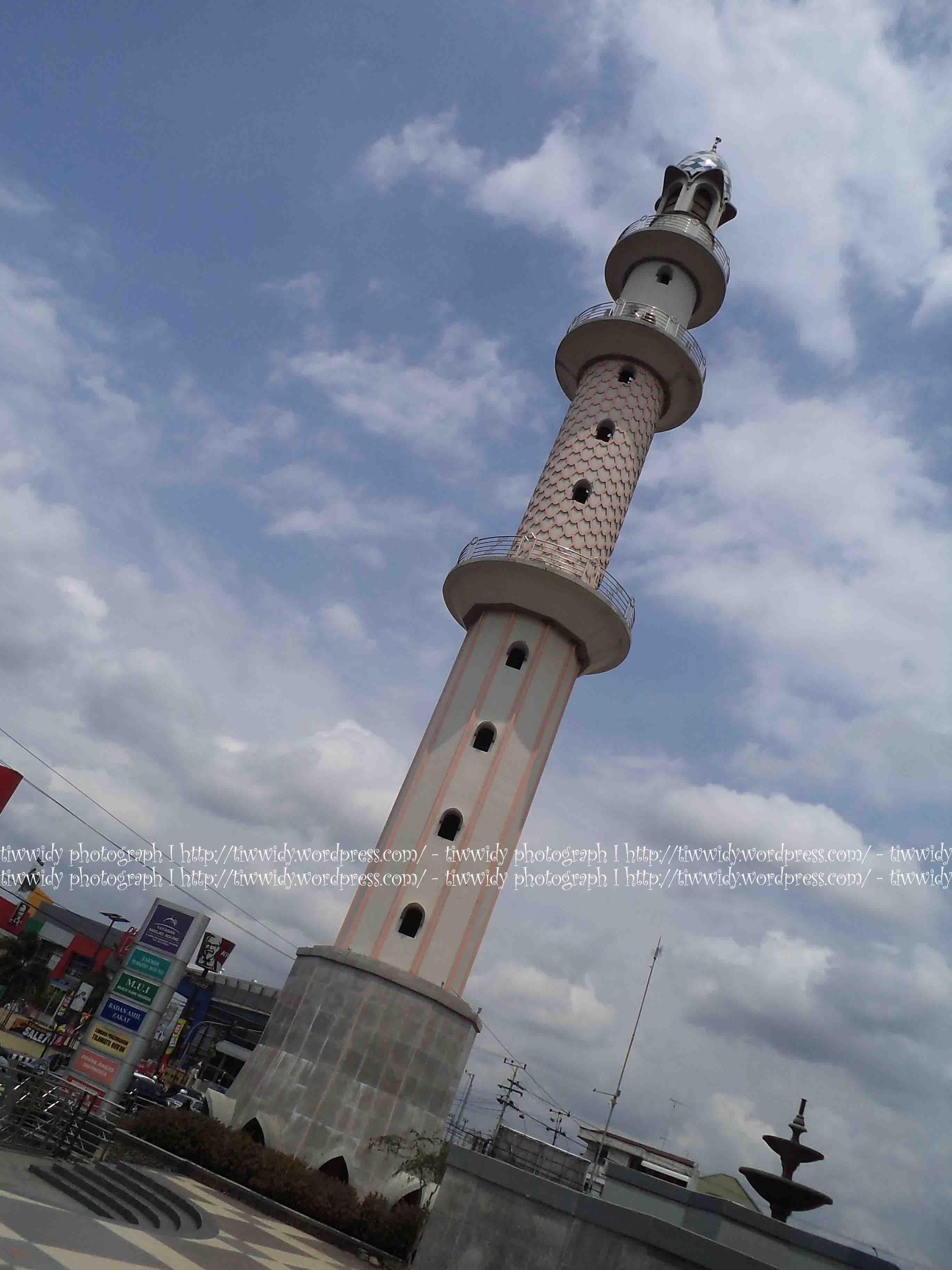 Masjid Agung Kota Kediri Kemegahannya Wee World Arabic Menara Kab