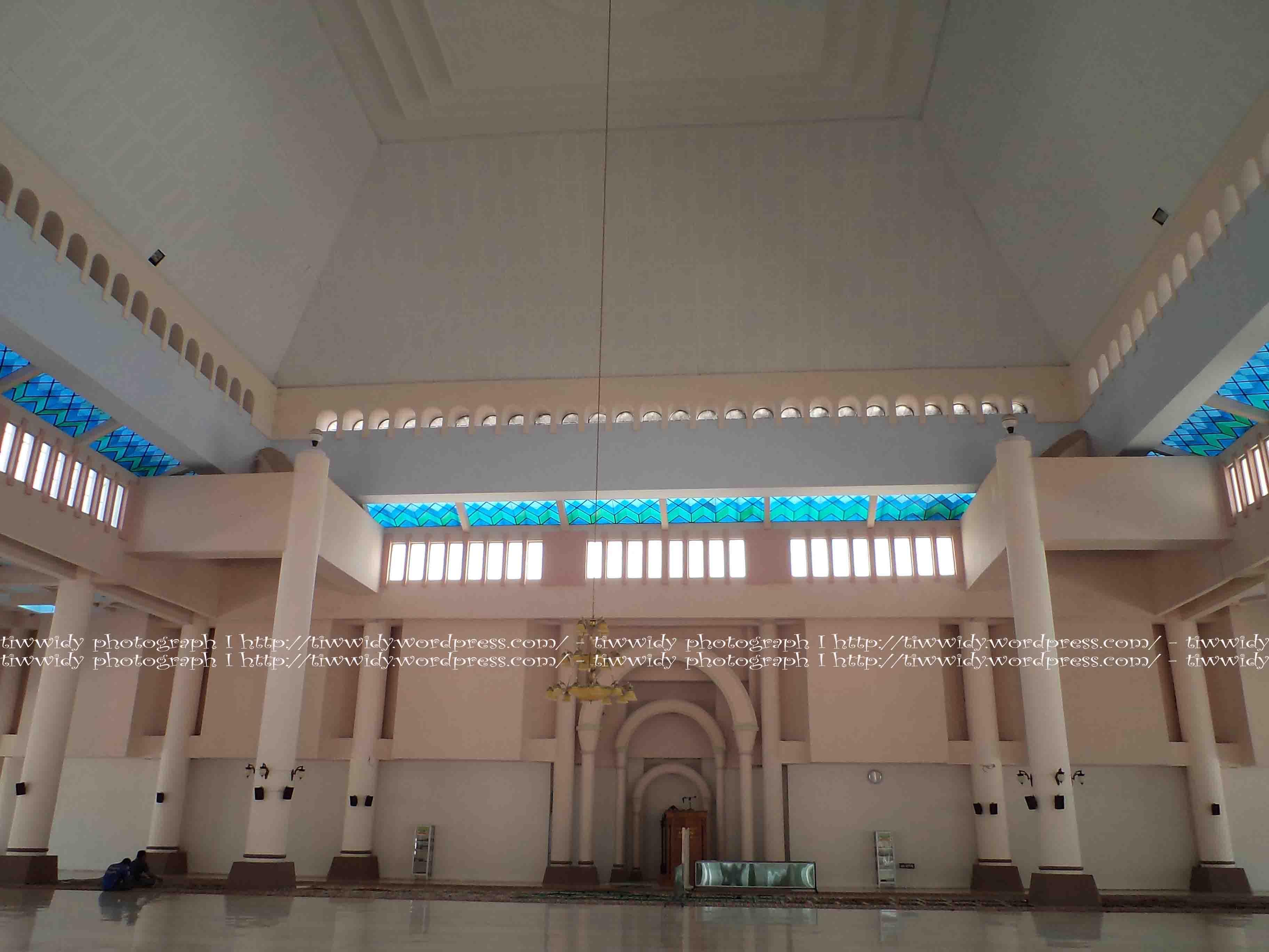 Masjid Nur Pare Wee World Mimbar Depan Agung Kediri Kab