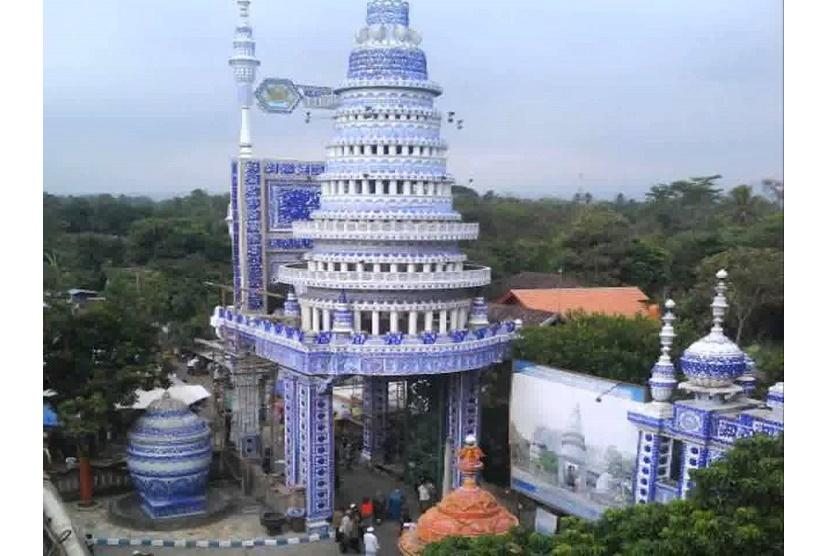 Masjid Tiban Konon Dibangun Semalam Republika Malang Agung Kediri Kab
