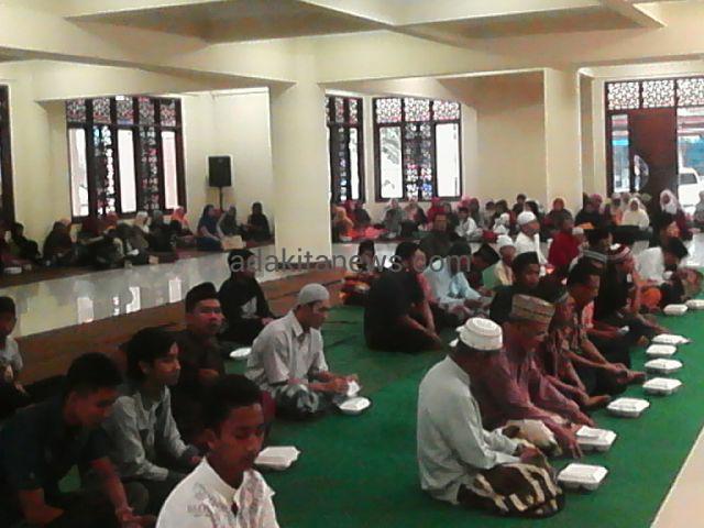 Ngabuburit Ngaji Kitab Masjid Agung Kota Kediri Adakitanews Kab