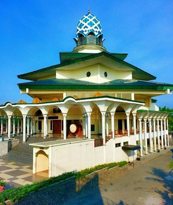 Pesona Masjid Agung Kota Kediri Adventure Travelling Hai Sahabat Travellers