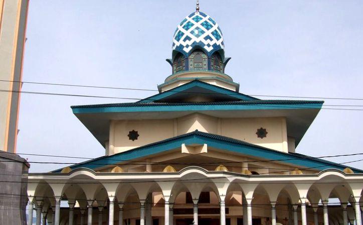 Religy Archives Lotus Garden Hotel Masjid Agung Kediri Obyek Wisata