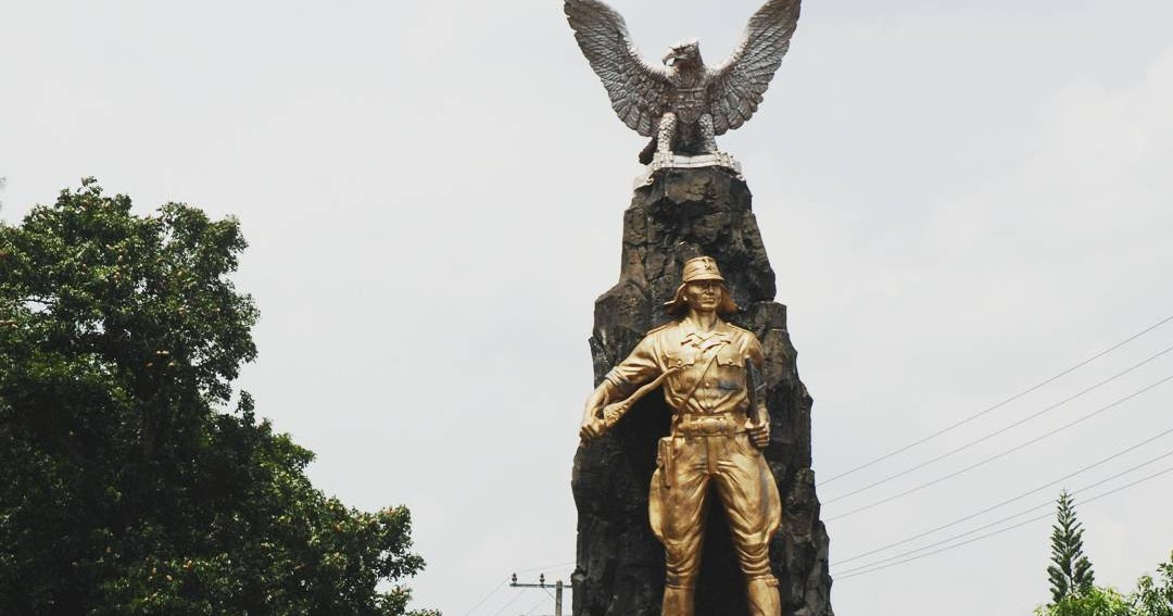 Kediri Negeri Seribu Cagar Budaya Rm Pecel Tumpang Monumen Syu