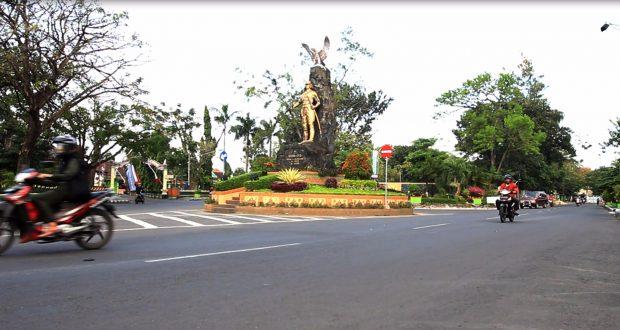 Monumen Berita Daerah Wisata Syu Jalan Agung Soeprapto Kediri Jawa