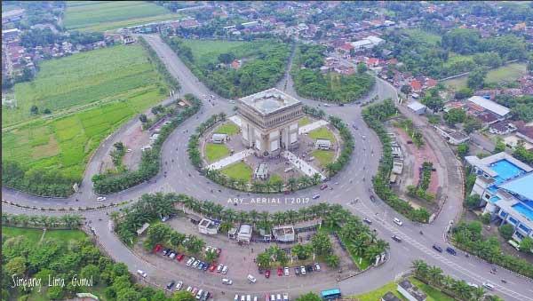 Tempat Wisata Kediri Terbaru 2018 Terbaik Terindah Monumen Simpang Lima