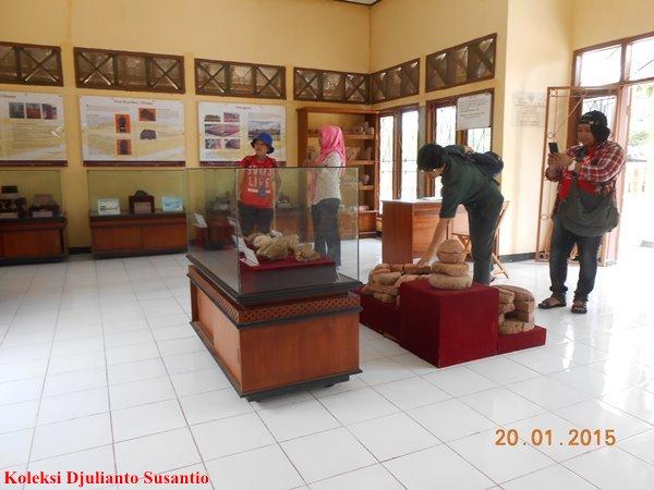 Jejak Batujaya Tiga Museum Majalah Arkeologi Indonesia Koleksi Situs Fotografi