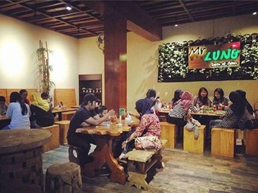 Ragam Tempat Wisata Kediri Terbaik Dikunjungi Lung Cafe Kuliner Museum