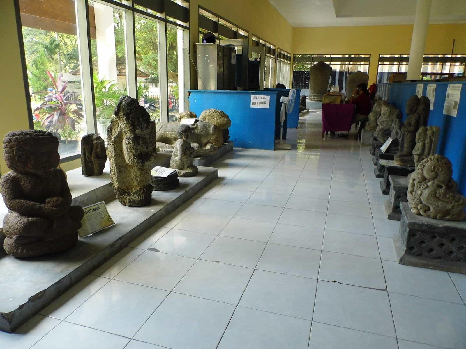 Berwisata Sejarah Museum Airlangga Kediri Ulinulin Koleksi Benda Bersejarah Musium