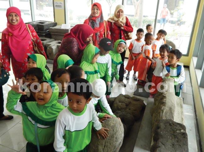 Mari Kunjungi Museum Airlangga Koranmemo Anak Paud Diperlihatkan Dijelaskan Tentang