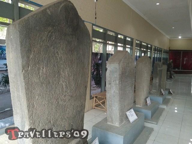 Museum Airlangga Kediri Travellers Prasasti Koleksi Meliputi Bameswara Angin Cker