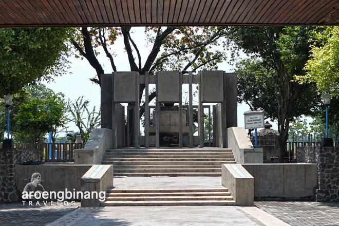 Aroengbinang Pamuksan Sri Aji Joyoboyo Kediri Petilasan Jayabaya Kab