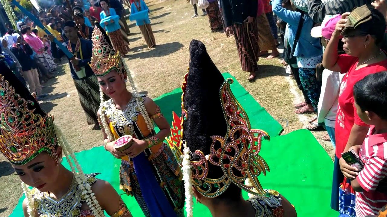 Kirab 1 Muharram Petilasan Sri Aji Joyoboyo Desa Menang Pamenang