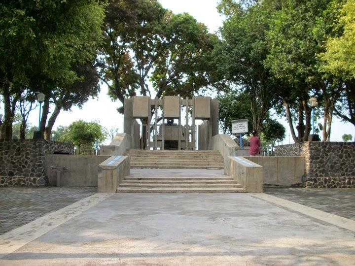 Pariwisata Kediri Sri Aji Jayabaya Perjalanan Menembus Ruang Waktu Pamuksan