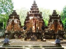 April 2015 Bimas Hindu Jawa Timur Pura Giri Selaka Penataran