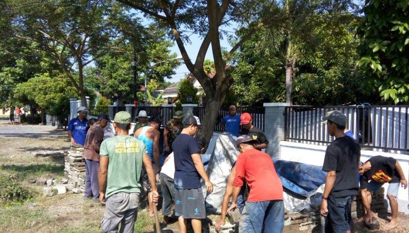 Kota Kediri Archives Kedirinusantara Warga Kerja Bhakti Serentak Pura Penataran