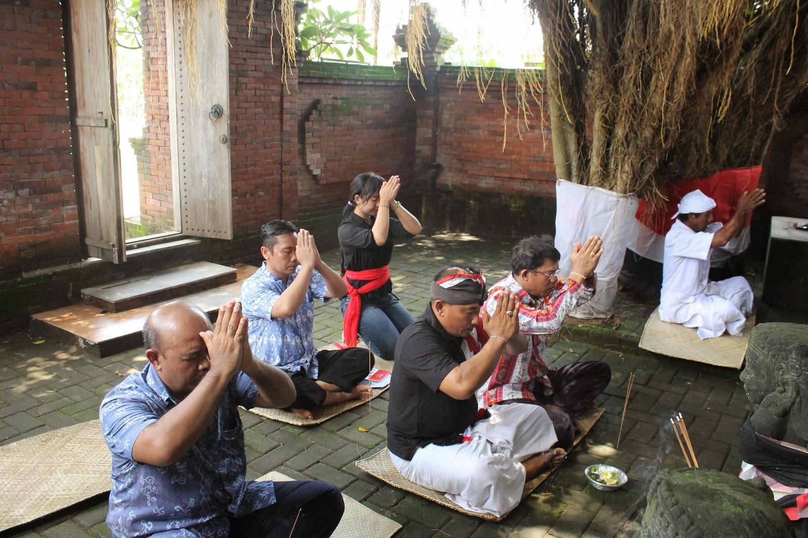 Maret 2015 Bimas Hindu Jawa Timur Tidak Berbincang Bincang Waktu