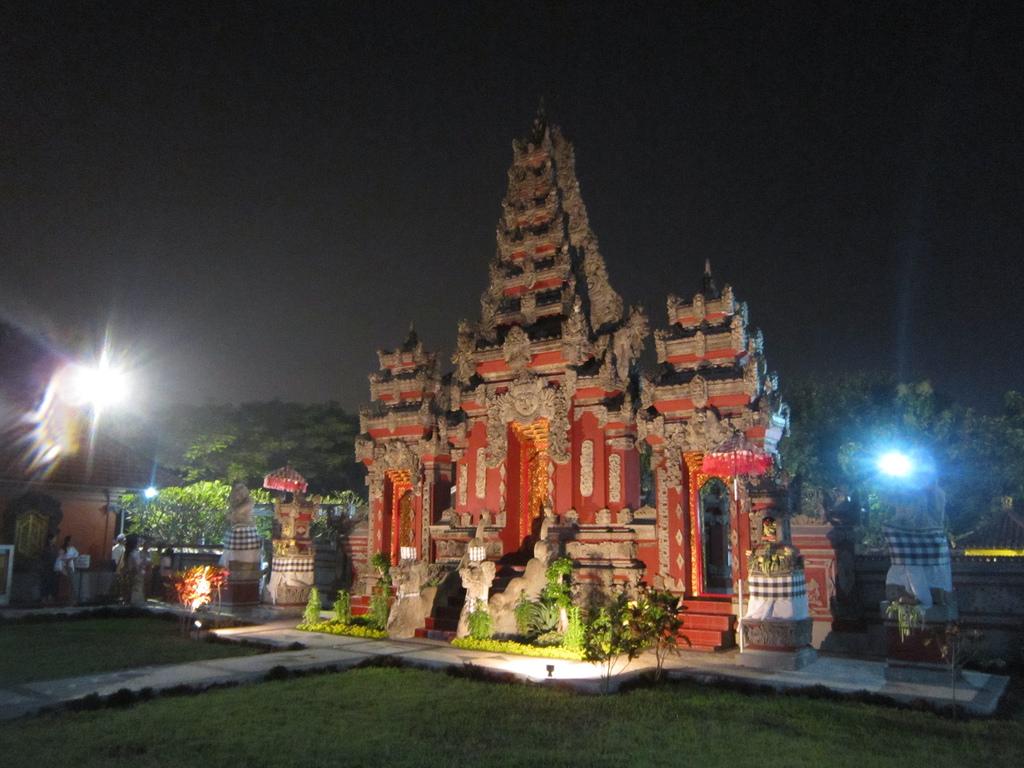 Pura Segara Kenjeran Bimas Hindu Jawa Timur Penataran Agung Kilisuci