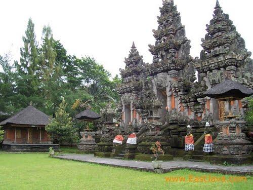 Sepenggal Sejarah Pura Mandara Giri Semeru Agung Bimas Hindu Jawa