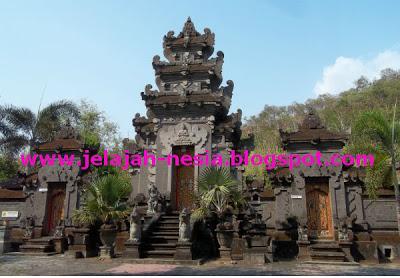 Wisata Religi Pura Jawa Timur Lentera Ilmu Berada Halaman Depan